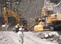 サムネイル:環境リサイクル機械稼働 現場事例 3(砂防CSG工法)